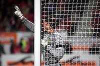 Torwart Roman Weidenfeller (Borussia Dortmund) gibt Anweisungen