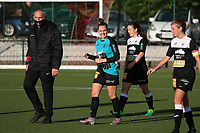 Aalst players walk onto the pitch before a female soccer game between Oud Heverlee Leuven and Eendracht Aalst Ladies  on the third matchday of the 2020 - 2021 season of Belgian Womens Super League , Sunday 4 th of October 2020  in Heverlee , Belgium . PHOTO SPORTPIX.BE | SPP | SEVIL OKTEM