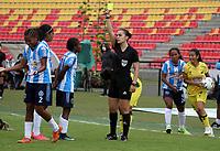 BUCARAMANGA - COLOMBIA, 11-08-2021: Karen Lozano, arbitra durante partido entre Atletico Bucaramanga y Real Santander de la Fase de Grupos de la fecha 7 por la Liga Femenina BetPlay DIMAYOR 2021 jugado en el estadio Alfonso Lopez en la ciudad de Bucaramanga. / Karen Lozano, referee during a match between Atletico Bucaramanga and Real Santander of the Group Phase the 7th date for the Women's League BetPlay DIMAYOR 2021 played at the Alfonso Lopez stadium in Bucaramanga city. / Photo: VizzorImage / Jaime Moreno / Cont.