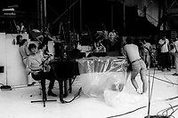 Jacques Higelin en repetion le 15 aout 1984 a Montreal pour le spectacle ROSE de Diane Dufresne, <br /> <br /> Le spectacle ROSE a eu lieu au Stade Olympique de Montreal  le 16 aout 1984, 55 000 personnes etaient sur place, tous habilles en rose. <br /> <br /> <br /> PHOTO :  Agence Quebec Presse