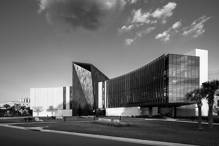 L. Gale Lemerand Student Center at Daytona State College   ikon.5 architects