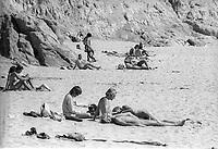 1970 - NUDISME - PLAGE en CALIFORNIE - USA