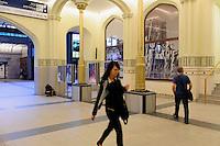 Tudor-Gotischer Hauptbahnhof in Wroclaw (Breslau), Woiwodschaft Niederschlesien (Województwo dolnośląskie), Polen, Europa<br /> Tudor-Gothic Main-Station  in Wroclaw, Poland, Europe