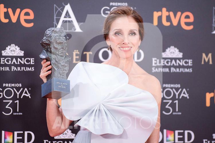 Ana Belen pose to the media with the honorific Goya  award at Madrid Marriott Auditorium Hotel in Madrid, Spain. February 04, 2017. (ALTERPHOTOS/BorjaB.Hojas)