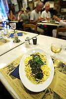 Vino bianco e trenette al pesto nell'osteria a Cantina de Mananan a Corniglia, uno dei borghi delle Cinque Terre.<br /> White wine and trenette al pesto sauce in the restaurant A Cantina de Mananan in Corniglia, at the Cinque Terre.<br /> UPDATE IMAGES PRESS/Riccardo De Luca