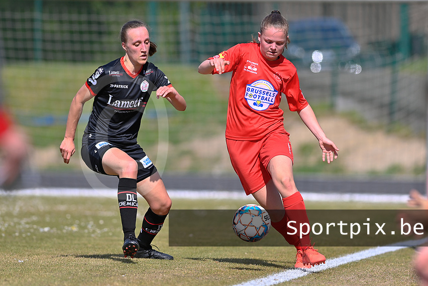 +W33+ and Ella Vierendeels (4) of Zulte-Waregem  pictured during a female soccer game between FC Femina White Star Woluwe and SV Zulte Waregem on the fifth matchday of play off 2 in the 2020 - 2021 season of Belgian Scooore Womens Super League , Saturday 8 th of May 2021  in Woluwe , Belgium . PHOTO SPORTPIX.BE | SPP | DAVID CATRY