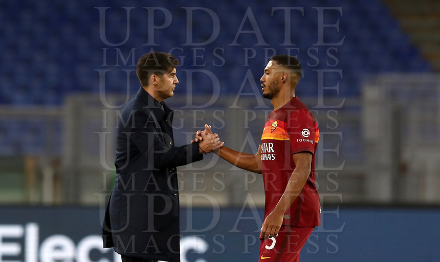 Football, Serie A: AS Roma - Parma, Olympic stadium, Rome, November 22, 2020. <br /> Roma's coach Paulo Fonseca (l) celebrates with Juan Jesus (r) after winning 3-0 the Italian Serie A football match between Roma and Parma at Rome's Olympic stadium, on November 22, 2020. <br /> UPDATE IMAGES PRESS/Isabella Bonotto