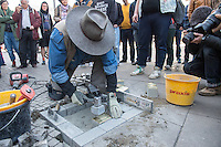 """Der Koelner Bildhauer Gunter Demnig verlegte am Donnerstag den 21. April 2016 auf dem Berliner Alexanderplatz Stolpersteine zum Gedenken an die im Nationalsozialismus ermordeten Menschen, die als """"asozial"""" verfolgt und ermordet wurden. Es sind die ersten Gedenksteine, mit denen dieser Opfergruppe des NS-Terrors gedacht wird.<br /> 21.4.2016, Berlin<br /> Copyright: Christian-Ditsch.de<br /> [Inhaltsveraendernde Manipulation des Fotos nur nach ausdruecklicher Genehmigung des Fotografen. Vereinbarungen ueber Abtretung von Persoenlichkeitsrechten/Model Release der abgebildeten Person/Personen liegen nicht vor. NO MODEL RELEASE! Nur fuer Redaktionelle Zwecke. Don't publish without copyright Christian-Ditsch.de, Veroeffentlichung nur mit Fotografennennung, sowie gegen Honorar, MwSt. und Beleg. Konto: I N G - D i B a, IBAN DE58500105175400192269, BIC INGDDEFFXXX, Kontakt: post@christian-ditsch.de<br /> Bei der Bearbeitung der Dateiinformationen darf die Urheberkennzeichnung in den EXIF- und  IPTC-Daten nicht entfernt werden, diese sind in digitalen Medien nach §95c UrhG rechtlich geschuetzt. Der Urhebervermerk wird gemaess §13 UrhG verlangt.]"""
