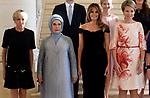 Sommet de l'OTAN: les epouses des chefs d'Etat recues par la Reine Mathilde au Chateau de Laeken <br />melanie trump - brigitte macron