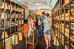 France, Provence-Alpes-Côte d'Azur, Menton: honey from the Provence, sales room | Frankreich, Provence-Alpes-Côte d'Azur, Menton: Honig aus der Provence, Verkaufsraum