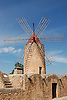 Windmill<br /> <br /> Molino de viento<br /> <br /> Windmühle<br /> <br /> 3008 x 2000 px<br /> 150 dpi: 50,94 x 33,87 cm<br /> 300 dpi: 25,47 x 16,93 cm