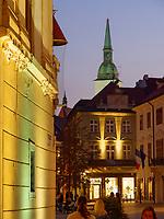 Blick von der Kostolna auf Hauptplatz Hlavne nam. und Dom, Bratislava, Bratislavsky kraj, Slowakei, Europa<br /> View from Kostoha to main square Hlavne nam. and cathedral spire, Bratislava, Bratislavsky kraj, Slovakia, Europe