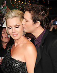 Jennie Garth & Peter Facinelli. at The Summit Entertainment's World Premiere of THE TWILIGHT SAGA: NEW MOON held at The Mann's Village Theatre in Westwood, California on November 16,2009                                                                   Copyright 2009 DVS / RockinExposures