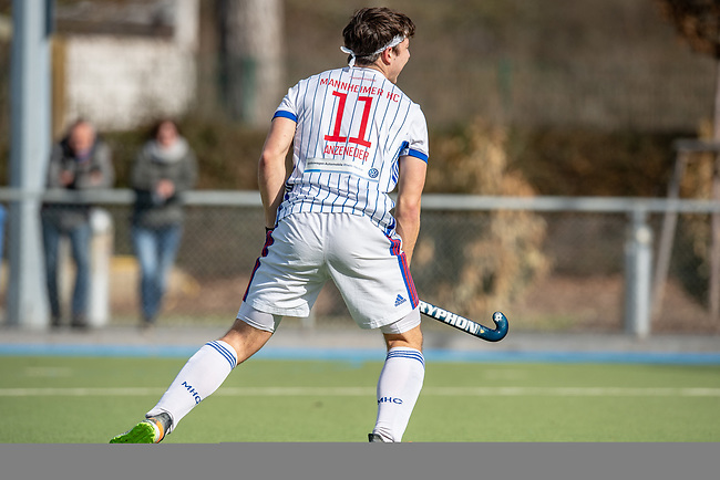 Mannheim, Germany, February 27: During the friendly match between Mannheimer HC (white) and UHC Hamburg (purple) on February 27, 2021 at Am Neckarkanal in Mannheim, Germany. (Copyright Dirk Markgraf / www.265-images.com) ***