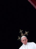 20141225 VATICANO: PAPA FRANCESCO IMPARTISCE LA BENEDIZIONE 'URBI ET ORBI' PER IL NATALE