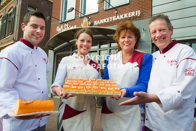 BENNEKOM 090413 Familiebedrijf Mekking Banketbakkerij. VLNR Joost jr. Marjet, Yvonne en Joost sr.<br /> Foto Jorrit Knuvelder - APA Foto