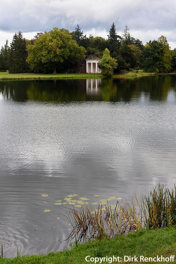 Nymphaeum in Schochs Garten am Wörlitzer See, Parkanlage Wörlitzer Garten, Sachsen-Anhalt, Deutschland, Europa, UNESCO-Weltkulturerbe<br /> Nymphaem and Schoch's Garden at Wörlitz Lake, Wörlitz Gardens, Saxony-Anhalt, Germany, Europe, UNESCO-World Heritage