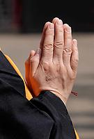 Nederland - Amsterdam - 2019. Boeddhadag in de Nieuwmarktbuurt in Amsterdam. Viering van de geboorte van Boeddha. Ceremonie op de Nieuwmarkt.   Foto Berlinda van Dam / Hollandse Hoogte