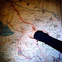 Red line between the border of Karabakh and Azerbaidjan.
