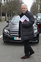 PIERRE ARDITI - DEPART DES INVITES DU STUDIO GABRIEL APRES L'ENREGISTREMENT DE L'EMISSION 'VIVEMENT DIMANCHE', PARIS, FRANCE, LE 24/01/2018.