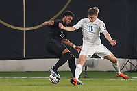 Serge Gnabry (Deutschland Germany) gegen Alsons Sampsted (Island Iceland) - 25.03.2021: WM-Qualifikationsspiel Deutschland gegen Island, Schauinsland Arena Duisburg