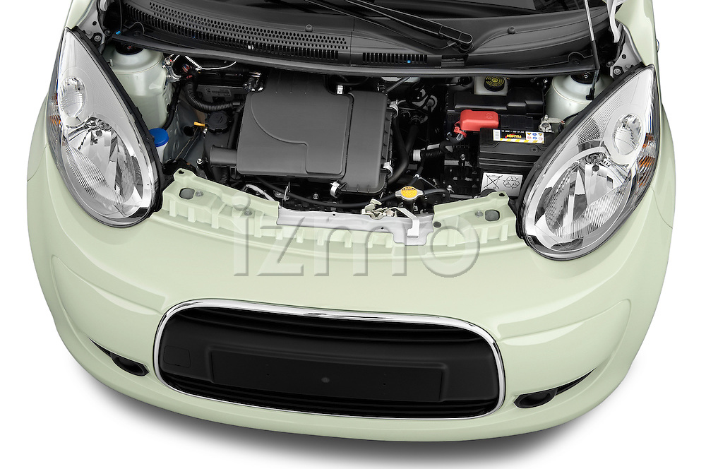 High angle engine detail of a 2009 - 2012 Citroen C1 Airplay 3-Door Hatchback.