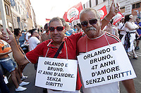Partecipanti al Gay Pride, Roma, 23 giugno 2012..Demonstrators take part in the Gay Pride in Rome, 23 june 2012..© Riccardo De Luca