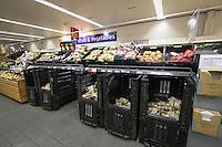 Supermarket shelving
