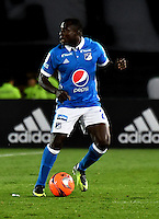 BOGOTA - COLOMBIA - 05 - 02 - 2017: Eliecer Quiñonez, jugador de Millonarios, en acción, durante partido de la fecha 1 entre Millonarios y Deportivo Independiente Medellin, de la Liga Aguila I-2017, jugado en el estadio Nemesio Camacho El Campin de la ciudad de Bogota.  / Eliecer Quiñonez, player of Millonarios in action during a match between Millonarios and Deportivo Independiente Medellin, for the date 1 of the Liga Aguila I-201/ at the Nemesio Camacho El Campin Stadium in Bogota city, Photo: VizzorImage / Luis Ramirez / Staff.