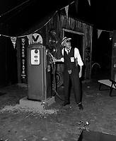 Le comedien Paul Hebert  sur scene<br /> le 22 juin 1984<br /> <br /> Photographe : Charles-Henri Leclerc<br /> <br /> - Agence Quebec Presse