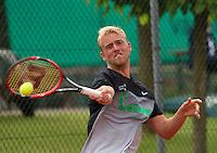 Simpeled, Netherlands, 19 June, 2016, Tennis, Playoffs Eredivisie Men, Glenn Smits team Papendrecht<br /> Photo: Henk Koster/tennisimages.com