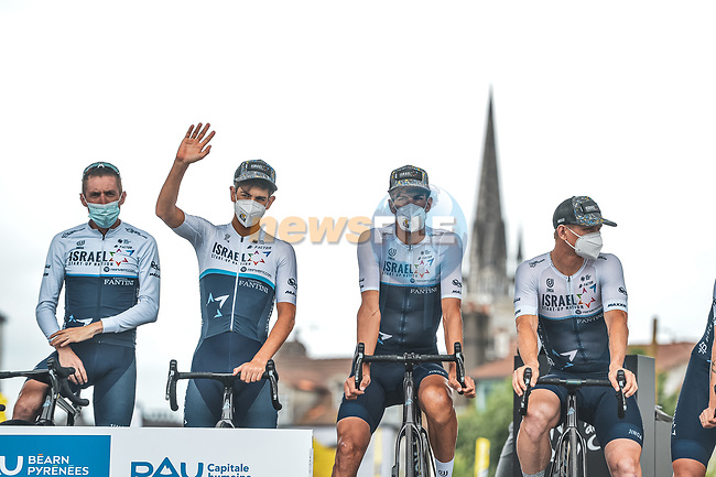Israel Start-Up Nation at sign on before Stage 18 of the 2021 Tour de France, running 129.7km from Pau to Luz Ardiden, France. 15th July 2021.  <br /> Picture: A.S.O./Charly Lopez | Cyclefile<br /> <br /> All photos usage must carry mandatory copyright credit (© Cyclefile | A.S.O./Charly Lopez)