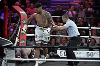 TONY YOKA remporte le combat contre TRAVIS CLARK par KO - premier combat de boxe professionnel de Tony Yoka - 02/6/2017 - Paris - France