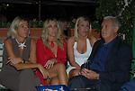 ROBERTO RUGGERO<br /> PARTY DI PAOLO PAZZAGLIA<br /> PALAZZO FERRAJOLI ROMA 2009