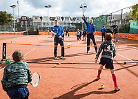 The Hague, The Netherlands, September 13, 2017,  Sportcampus , Davis Cup Netherlands - Chech Republic, Streettennis with Tallon Griekspoor (L) and Thiemo de Bakker (NED)<br /> Photo: Tennisimages/Henk Koster