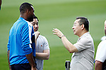 Leicester City FC's Chairman Vichai Srivaddhanaprabha (r), his son the Vice Chairman Aiyawatt Srivaddhanaprabha (c) and the player Molla Wague before training session. April 11, 2017.(ALTERPHOTOS/Acero)