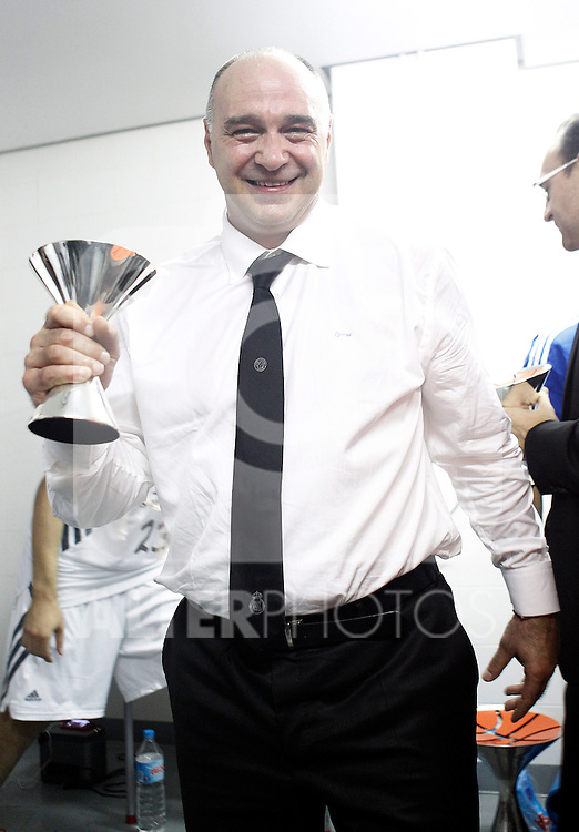 Real Madrid's coach Pablo Laso celebrates the victory in the Supercopa ACB 2013.October 5,2013. (ALTERPHOTOS/Acero)