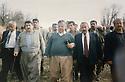 Iraq 1997  A picnic with Jalal Talabani , second left, Hama Haji Mahmoud, third,Jalal Talabani  Irak 1997 .En route pour un pique-nique, 2eme gauche, Hama Haji Mahmoud et a cote de lui, Jalal Talabani
