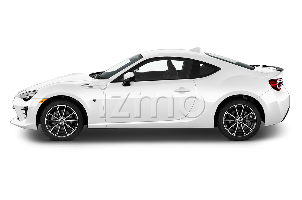 Car Driver side profile view of a 2018 Toyota 86 GT 2 Door Coupe Side View