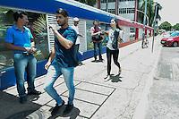 BRASÍLIA, DF, 05.11.2016 – ENEM-DF – Candidatos chegam para fazer a prova do Enem neste sábado, 05, na Universidade UPIS (União Pioneira de Integração Social) na Asa Sul em Brasília. (Foto: Ricardo Botelho/Brazil Photo Press/Folhapress)