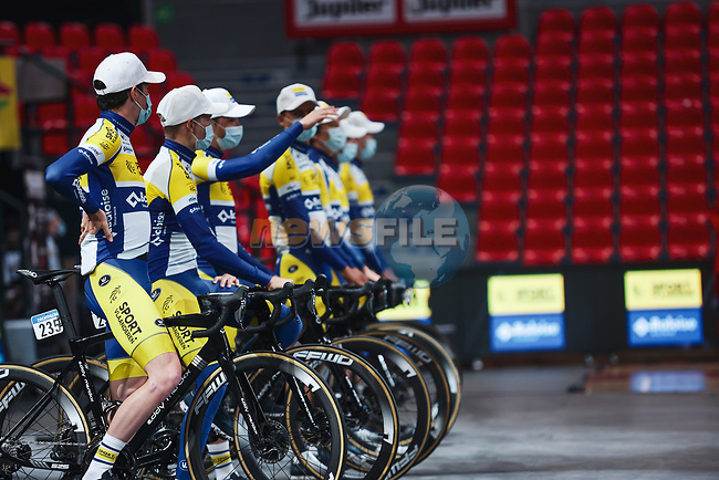 Sport Vlaanderen-Baloise at the team presentation before the 2021 Flèche-Wallonne, running 193.6km from Charleroi to Huy, Belgium. 21st April 2021.  <br /> Picture: A.S.O./Aurélien Vialatte | Cyclefile<br /> <br /> All photos usage must carry mandatory copyright credit (© Cyclefile | A.S.O./Aurélien Vialatte)