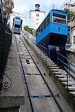 """Die kurze Verbindung zwischen Unter- """"Donji Grad"""" und Oberstadt """"Gradec oder Gric"""" kann man mit der Drahtseilbahn """"Uspina?a"""" zurücklegen, die 1888 in Betrieb genommen wurde. / For the shortest connection between the lower """"Donji Grad"""" and Upper Town """"Gradec or Gric"""" you can take the cable car """"Uspina?a"""", which was put into operation in 1888."""