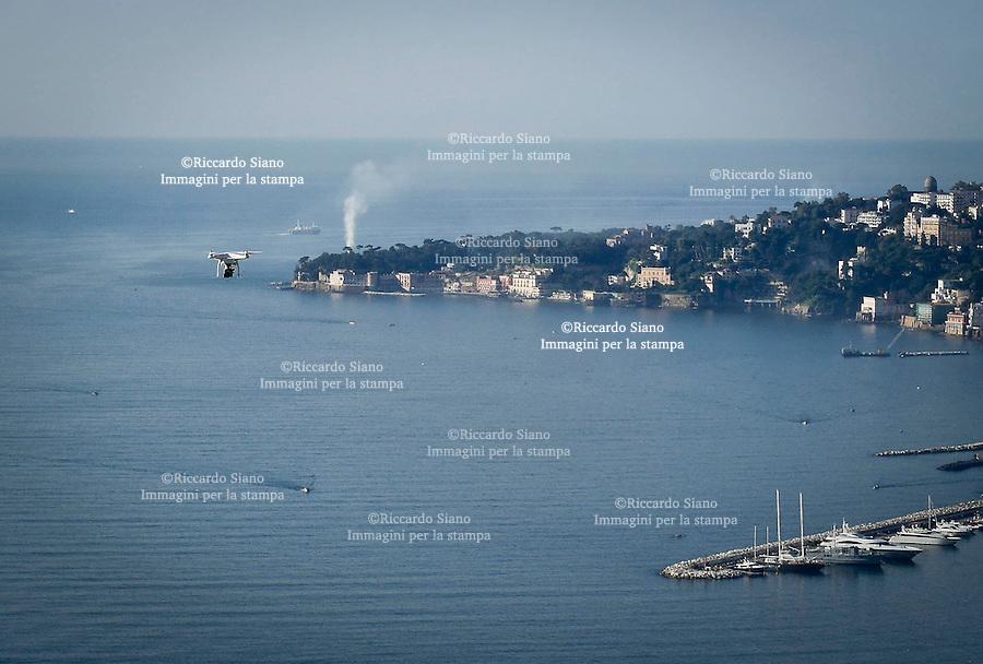 - NAPOLI  18  FEB    2014 -  Drone Phantom 2  panorama da san martino