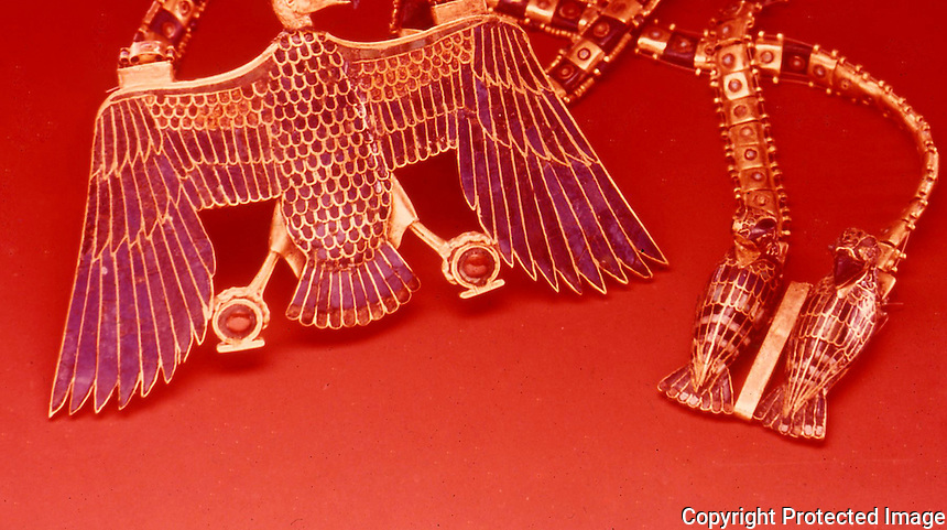 Egypt:  Necklace with Vulture Pendant--gold with gems.  Treasures of Tutankhamun, Cairo Museum.  MMA  1976.