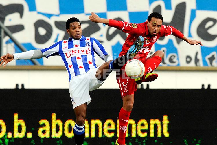 voetbal sc heerenveen - fc twente eredivisie seizoen 2010-2011 12-12-2010  denny landzaat met jong a pin