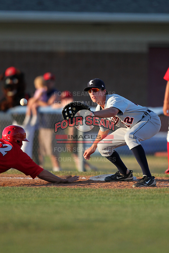 Connecticut Tigers first baseman Matt Perry (12) during a double header vs. the Batavia Muckdogs at Dwyer Stadium in Batavia, New York July 10, 2010.  Connecticut dropped the first game 3-5 then defeated Batavia 8-1 in the night cap.  Photo By Mike Janes/Four Seam Images