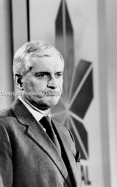 John Turner: Reader say it's clear Canadians want change and that Turner will provide it.<br /> <br /> Photo : Boris Spremo - Toronto Star archives - AQP
