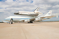 Space Shuttle Discovery Landing - Dulles Airport