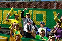 NEIVA - COLOMBIA - 22 - 07 - 2017:Hinchas  del Atletico Huila durante el encuentro contra Independiente Santan Fe durante partido entre Atletico Huila e Independiente Santa Fe , de la fecha 4 por la Liga Aguila II 2017 en el estadio Guillermo Plazas Alcid de Neiva. / Fans of Atletico Huila cheer their team during a match agaisnt of  Independiente Santa Fe  of the date 2nd for the Liga Aguila II 2017 at the Guillermo Plazas Alcid Stadium in Neiva city. Photo: VizzorImage  / Sergio Reyes / Cont.