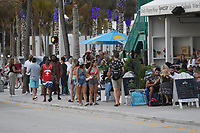 FORT LAUDERDALE, FL - JANUARY 03: A general view of people walking on Fort Lauderdale Beach as The state of Florida's COVID-19 dashboard reported another 10,603 cases Sunday, the fifth consecutive day of reporting over 10,000 cases as hospitalizations, positive test rate rise new high on January 3, 2021 in Fort Lauderdale, Florida. <br /> CAP/MPI04<br /> ©MPI04/Capital Pictures